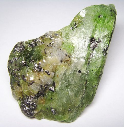Collector´s Specimen Chrome Tremolite Crystals with Graphite from Tanzania